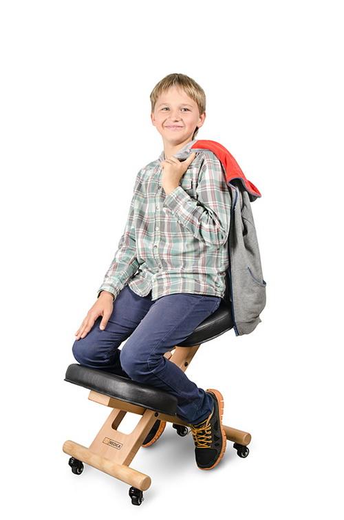 Фото на стуле в мини фото 415-324